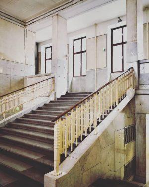 #fotowien #photography #photofestival #exposition #architecture #architecturephotography #architecturelovers #vienna #inlovewithvienna #exploringvienna #discovervienna #unlimitedvienna #mitteninwien #urban_exploration #erkundedeinestadt #mycity #wienliebe...