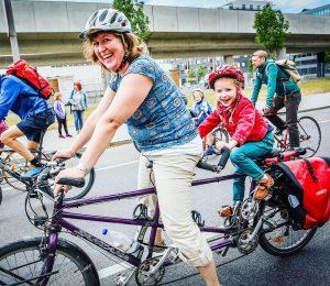 Gemeinsam macht Radfahren am meisten Spaß. Wir wünschen euch einen schönen Tag! 😊🚲 #fahrradwien #igersvienna #lovecycling