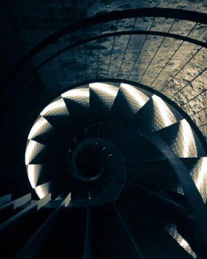 Ein Blick in die Tiefen der #Virgilkapelle von @gezgezyetmez👌 Hier unten ist es ...