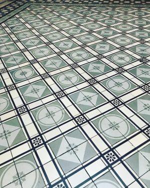 Details ✨#floor #building #historicalbuildung
