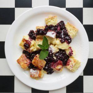 Wochendessert // Grießschmarrn mit Heidelbeerkompott 🍇🍥🍡🍦🧁🍭🍬 #griessschmarrn #wochendessert #dessert #sweets #heidelbeerkompott #blueberries