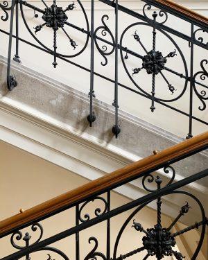 Staircase Goals 💫 ! Für uns ist es immer wieder ein besonderes Gefühl die imposanten Treppen im...