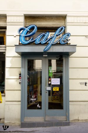 #Café #Jelinek, maybe #Vienna's best authentic old-school shabby chic café. It was first opened in 1910 by...