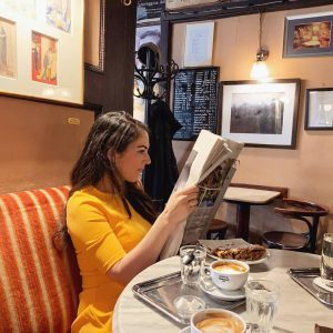 It's never a bad time for coffee, Strudel and @nytimes ❤️ 📸 @vickygarf ...
