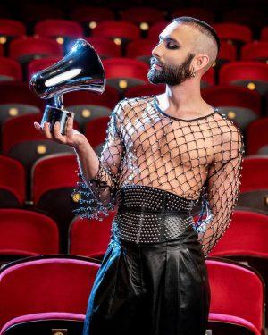Conchita hosts, WURST performs HIT ME live💥 #AAMA2019 @amadeusawards 25 APR 2019 @orf ...