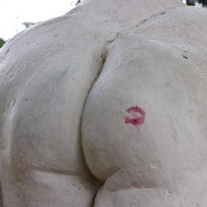 Kiss ————————————————— #vienna #stadtpark #austria #wien #österreich #ass #bum #kiss #kuss #hintern #photography ...
