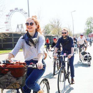 Das Wochenende ist schon in greifbarer Nähe. Schwingt euch aufs Rad und genießt das frühlingshafte Wetter draußen!...