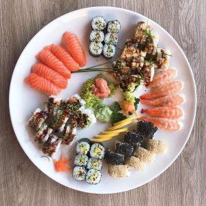 Sushi für Deine Feier zuhause oder im Büro? Gerne bei uns ab zu ...