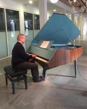 Michael Klaar in rehearsal style in very much style on the Bösendorfer @belvedere21wien ...