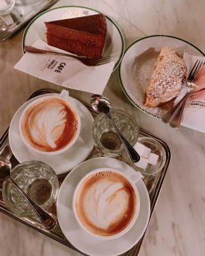 如果我不在家,就是在咖啡館;如果我不在咖啡館,就是在前往咖啡館的路上-by Peter Altenberg #Melange#cafelatte#latergram📷 #wien