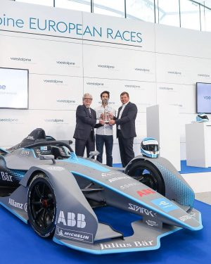 Formel E Boxenstopp in Wien: Gestern haben voestalpine-CEO Wolfgang Eder, Rennfahrer Lucas di Grassi und Sportdirektor Frederik...