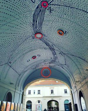 Las coordenadas//Coordinates #coordenadas #coordinates #arte #art #artiseverywhere #arteurbano #urbanart #viena #wein #museumsquartier #awalkinthecity ...