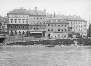 Blick über den Donaukanal in Richtung zweiten Bezirk, eine Gegend die sich im ...
