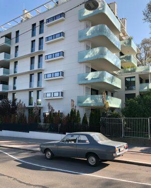 Wagen mit Fassade Argentinier Strasse