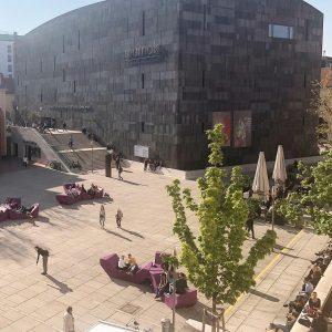 feels like summer 👙🐬☀️ . . #visitMQ #art #architecture #creativespace #museums #sunshineday #Vienna ...