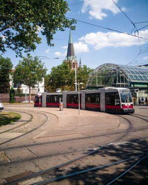 Über 500 Straßenbahnzüge transportieren Fahrgäste in Wien. Euch auch? 🚋🚄 Durch die Linse ...