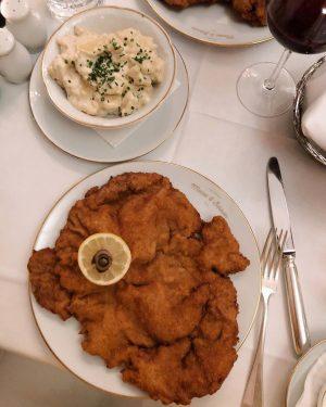 Piacevoli scoperte 🇦🇹 (#PED su @itsmefoodie_ in arrivo) #Vienna #Schnitzel