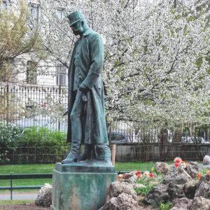 Emporer Franz-Joseph #kaiserfranzjoseph #statue #burggarten #frühlinginwien #springtimeinvienna #springtime #strollingaround #viennamood #thisisvienna #viennamylove #viennagram ...