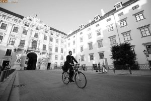 Viyana, tarihi boyunca imparatorluklara başkentlik yapmış köklü bir kent. Hele bir Habsburg Hanedanlığıvarmış ...