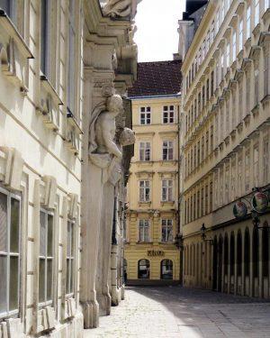 Städtereise 2 Wien 2014, eine der zahlreichen Gassen, #vienna #wien #donaumetropole #hauptstadtliebe #historie #austria