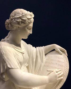 На третьому фото Геракліт