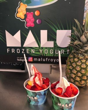 #Malufroyo - Where street life is beach life 🏖 #wien #museumsquartier #frozenyogurt