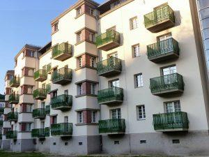 Einer der größten Wiener Gemeindebauten nach der jahrelangen Generalsanierung. der GOETHEHOF #wienliebe #donaustadt1220 #donaustadt #kaisermühlen #vienna_austria #vienna_city...