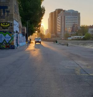 VIENNA/ #goodmorningvienna Donaukanal _____________________ #viennanow #vienna_city #donaukanal #sunrise #graffitiart #graffitiwall #graffitiworld #sunrisehanter #bestcity ...
