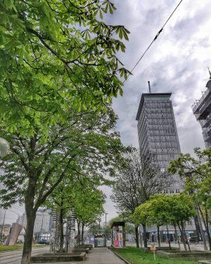 Ringturm 9th district . . . #visualambassador #urbanexplorer #vienna_austria #viennagoforit #igersvienna #onlinevienna #topviennaphoto #viennastravel #wienstagram #stadtwien #viennatouristboard...