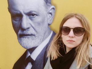 #tb to chilling with Sigmund #wheninvienna #twoweeksago #freud #wien #mq #leopoldmuseum #museumsquartier #neubau ...