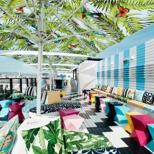 Bunte Ostergrüße 🐰🐣von unserer @lameerooftop Bar! Herrliches Wetter erwartet uns heute ☀️ Perfekt um ein paar Cocktails...