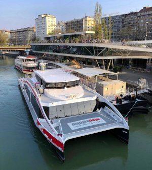 Mit dem Twin City Liner zur Eishockey-WM im Mai 2019 in Bratislava: ⛸️ Mit der schnellsten Schiffsverbindung...
