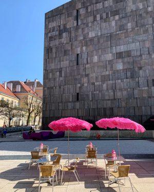 """#Mumok #museumofmodernart #vienna #tropicalia """"es gibt nichts Gutes außer man tut es"""" Erich Kästner #museumsquartier #artwatchers #artwatching"""