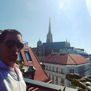 Des musste jetzt sein #wienliebe #stephansdom Hotel Topazz Vienna