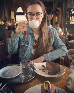 u Sisi na Sachertorte #oldschool #cafe #chocolate #cake #caffee #wien #vienna