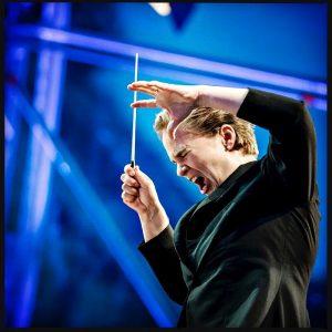 dirigentin eva ollikainen beim fest der freude am heldenplatz #evaollikainen, #musik, #dirigent, #dirigentin, #music, #conductor #sonyalpha_austria, #sony_a9...