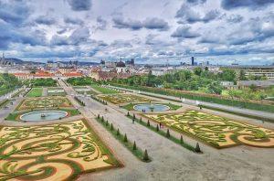 Jardines barrocos del Belvedere, siempre una bonita vista! #belvedere #Belvederegardens #belvederemuseum #museobelvedere #jardinesbelvedere #barroco #visitaviena