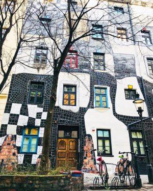 Hundertwasser Museum: projetado pelo artista Friedensreich Hundertwasser. Este museu abriga a única exposição ...