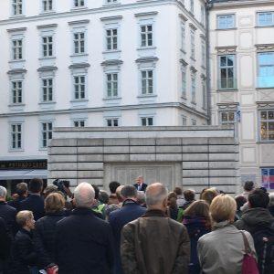 """Timothy Snyder hält seine Rede """"Judenplatz 1010"""", eine Rede an Europa 2019! Initiiert von der ERSTE Stiftung..."""