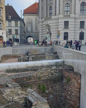 VIENNA/ Michaelerplatz _________________ #michaelerplatz #ausgrabungen #vienna_city #viennagoforit #wienistanders #wienmalanders #wonderlustvienna #wiennurduallein #igerswien #igersaustria #igersvienna #365austria #visitvienna #vienna_online...