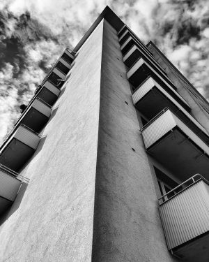 #wien #vienna #blackandwhite #bnw #bw #monochrome #sky #lookup #clouds #spring #may #building #pointofview ...
