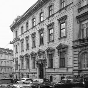 Ein Eckhaus #Wien #Österreich #Vienna #Austria #3bezirk #architecture #Architektur #bnw #nurderschönheitwegen #wiennurduallein #youshouldbettereatarchitecture