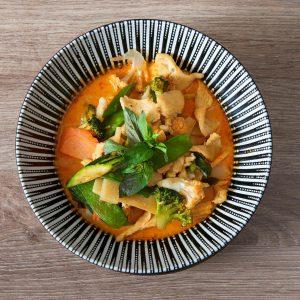 Kokos Curry Huhn /// แกงไก่ /// CAFÉ LEOPOLD