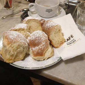 Buchteln yaaaaaay yummy #wien #vienna #austria #cafehawelka #buchteln #buchty #yummy #mnam