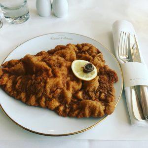 Fast so gut wie bei Mama. Aber eben nur fast... #wienerschnitzel Meissl & ...