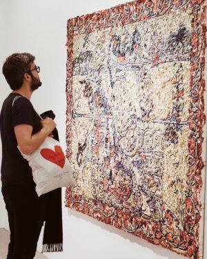 Le musée en amoureux. ( et le petit sac de @lalouveandpartners qui nous accompagne dans chacun de...