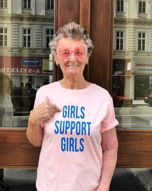 #happyweekend and don't forget: #girlssupportgirls ♀ 💕 #cotton #shirt by #sweeweparis for €39,- at #magazinamgetreidemarkt 👍🏻 #womanpower...