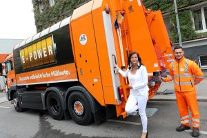 WE GOT THE E-POWER 😁! Unsere KollegInnen freuen sich schon das leise und zu 100% elektrische Müllsammelfahrzeug,...