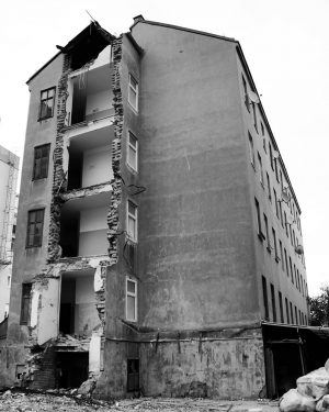 #wien #vienna #blackandwhite #bnw #bw #monochrome #shutdown #teardown #abandoned #building #22 #district