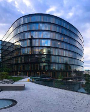 Erste Campus, Vienna Architects: Henke Schreieck Architekten ZT GmbH, Vienna #erstecampus #vienna #viennagram #vienna_austria #vienna_city #viennaarchitecture #modernarchitecture...